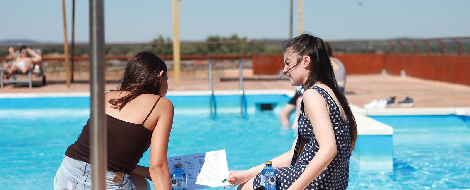 inmersion-chicas-onetoone-piscina-2.jpg